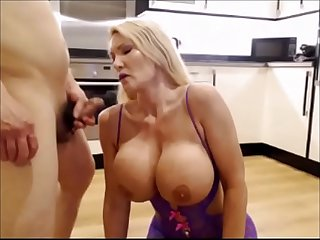 Milf slut fucked on the kitchen floor - TheCamBoss.net