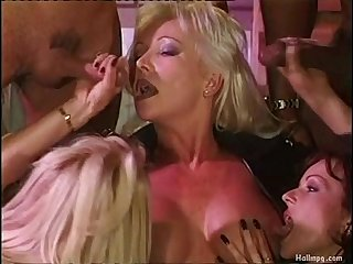Cum on very beautiful blonde big tits milf german dutch helen duval