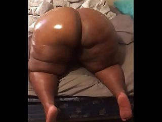 Big booty milf 68 inch ass
