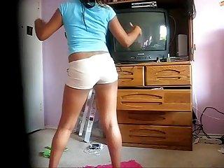 Ebony teen twerk