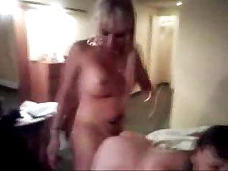 Travesti cogiendose A una vieja muy puta