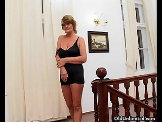 Horny old slut gets horny rubbing her