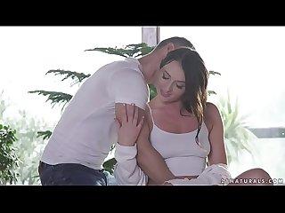 Carolina June wants sensual sex with Toby