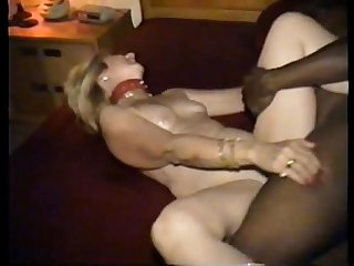 Wife cuckolds hubby taking bbc - 666camz.net