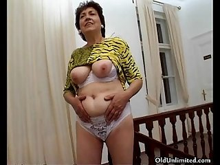 Nasty brunette housewive goes crazy