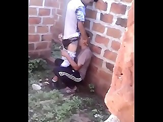 Mamando O amigo Na favela
