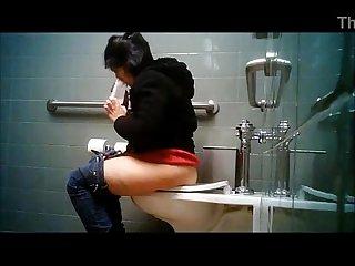 Mexicana culona grabada en el bao www noviaz com