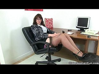 Scottish milf toni lace strips off and fucks herself