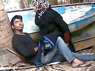 Bangladeshi Bhabhi sex her young devor outdoor wowmoyback