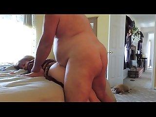 Gordinho comendo a esposa