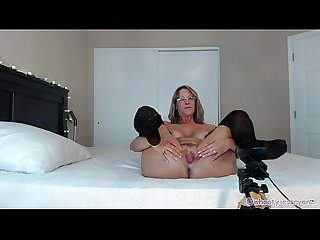 HOT Streamate CamGirl Milf Flashing Ass