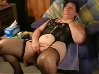 Must see this pervert old slut amateur older