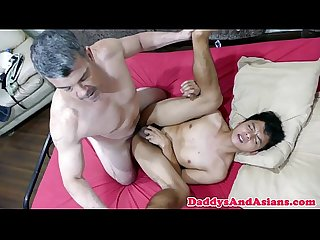 Cocksucking pinoy toyed in tight ass by bear