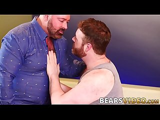 Hairy hunk Brad Kalvo barebacks naughty bear after rimjob