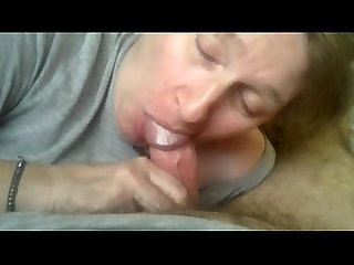 I'm a mature wife who loves cock