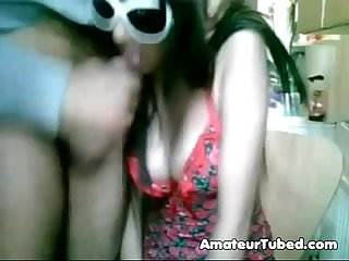 Super hot desi babe putting up a show on webcam