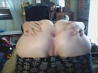 Chubby Teen Spreads Ass for You - more on AmateurCamSluts.net