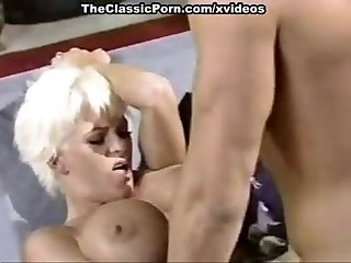 Amber Lynn, J.R. Carrington, Holly Body in classic fuck clip