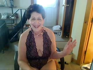 Old whore woman saggy nipple tittys butt slut enjoys singing on cam xvid