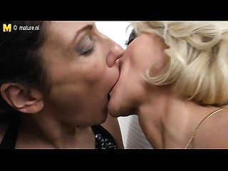 The Lesbian Mothers - Sexygirlselfie.com