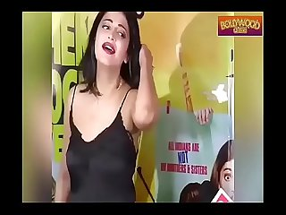 Shruti Haasan CAUGHT Adjusting Dress in PUBLIC part 1